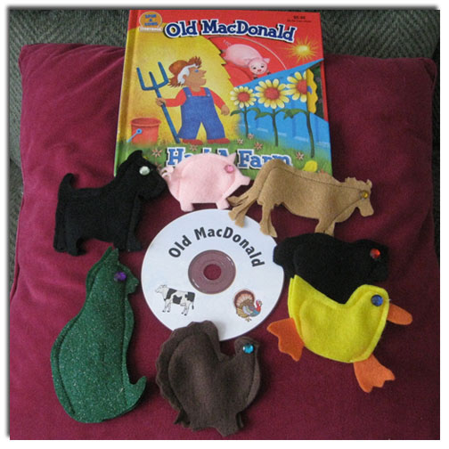 Old MacDonald Felt Finger Puppets with CD by Adventureland Puppets and Joanne Schroeder