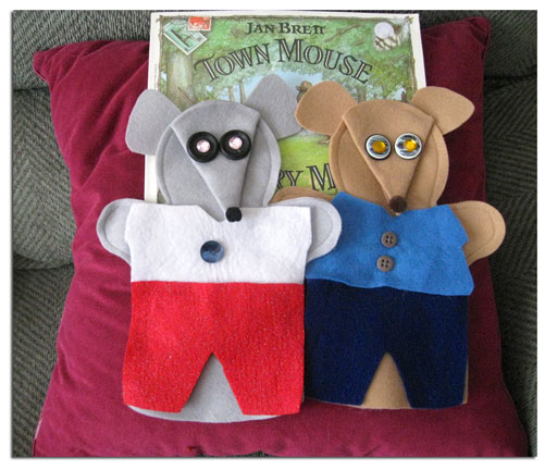 Town Mouse/Country Mouse Felt Puppets Set by Adventureland Puppets and Joanne Schroeder